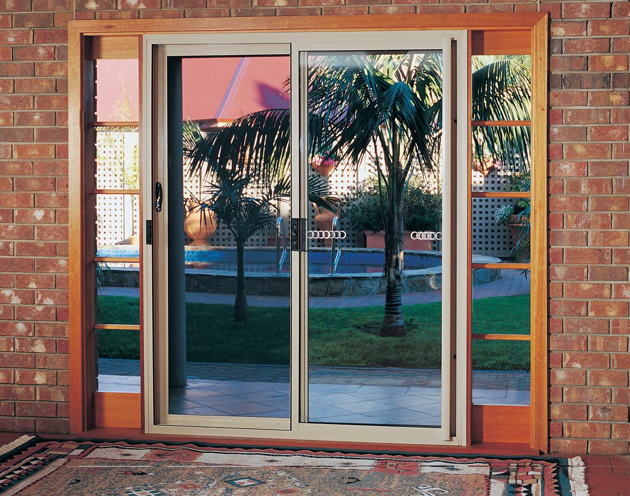 Dog doors for screens pet door gallery petway doors for Indoor screen door